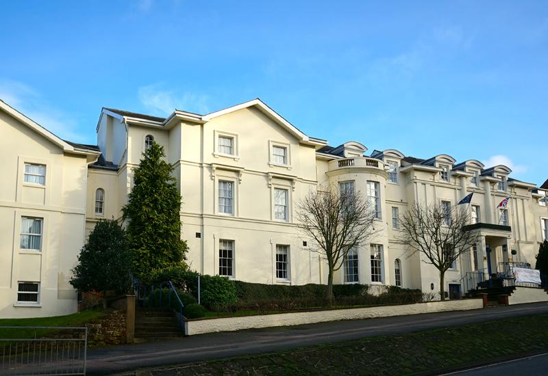 5915-banbury-house-hotel-ext_1.jpg