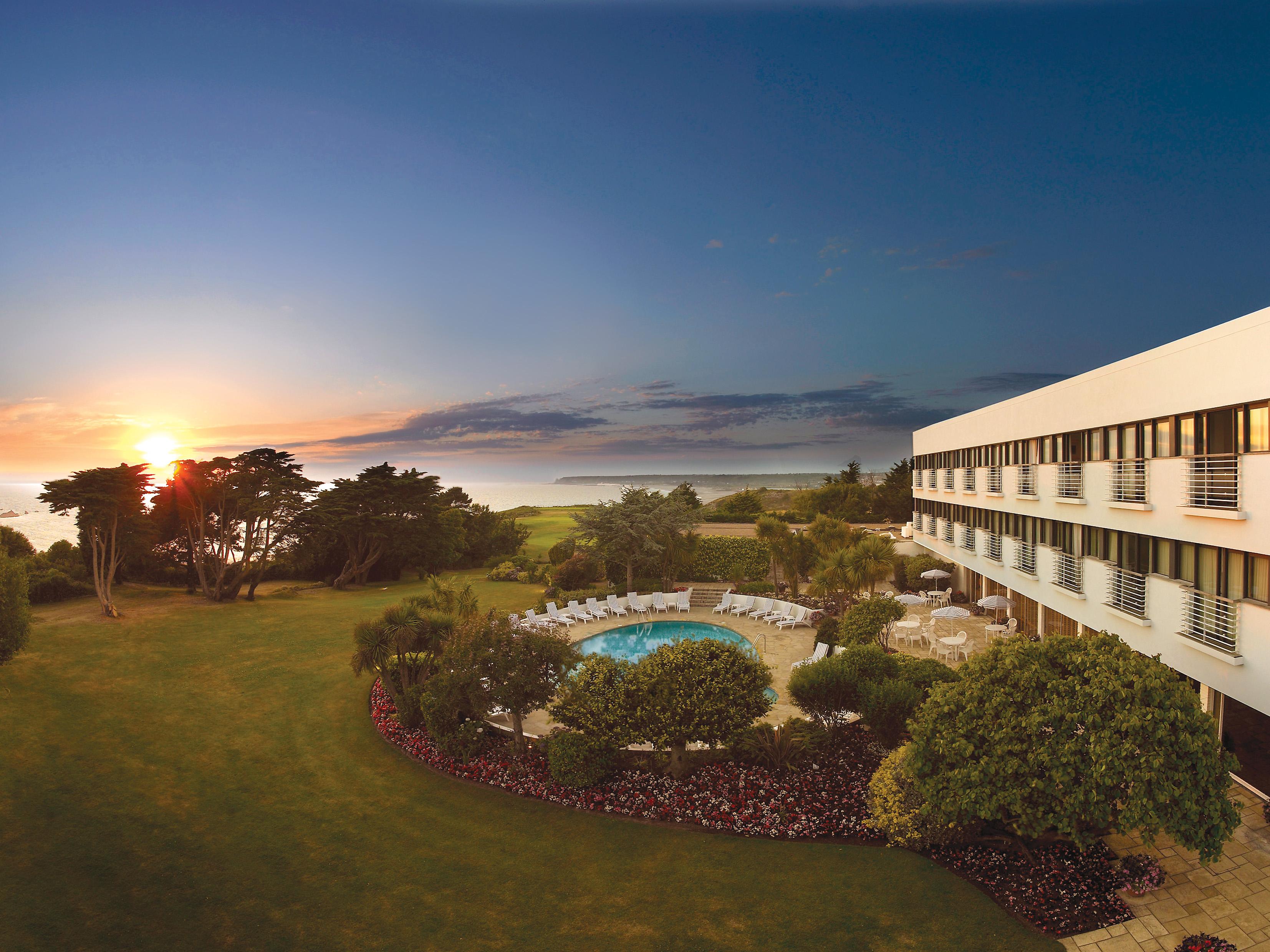 5947-0605-814-Atlantic-Hotel-Panorama-2.jpg