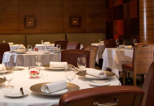 6040-Jersey-club-hotel-and-bar.jpg