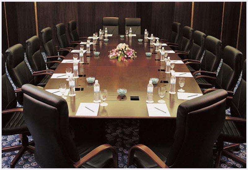 6826-Meeting-EDIT.jpg