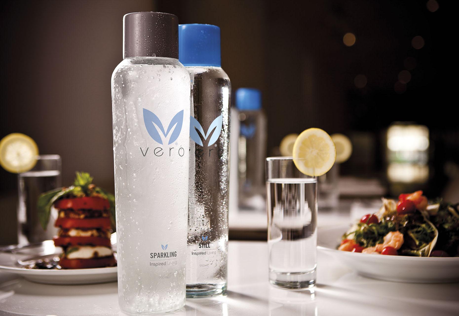 8676-Vero-Bottles-on-table.jpg