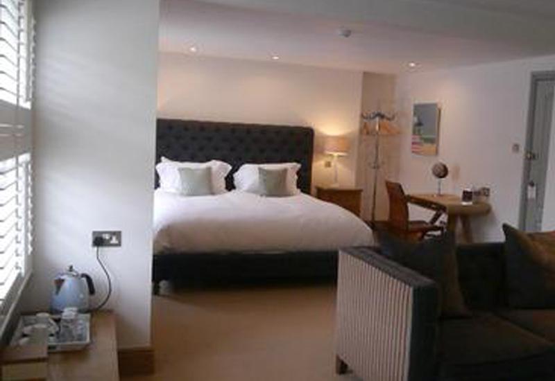 12586-Browns-Hotel-Dartmouth.jpg