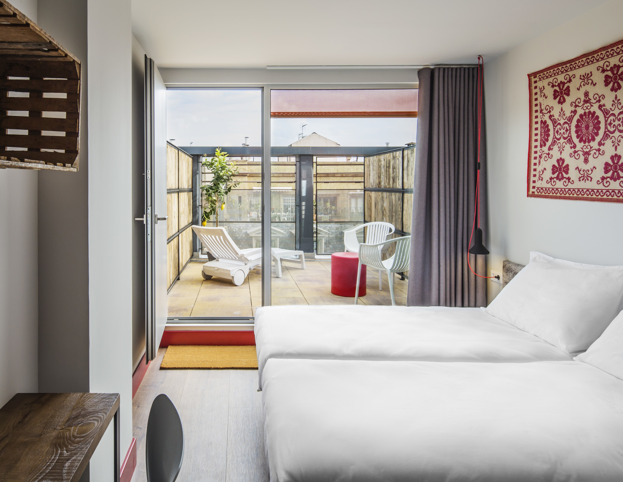 Generator Barcelona – Hotel room 3