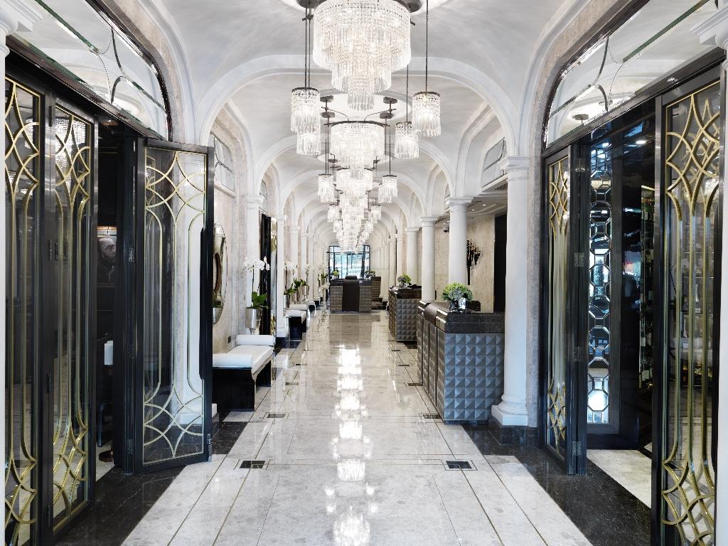 the-wellesley-lobby