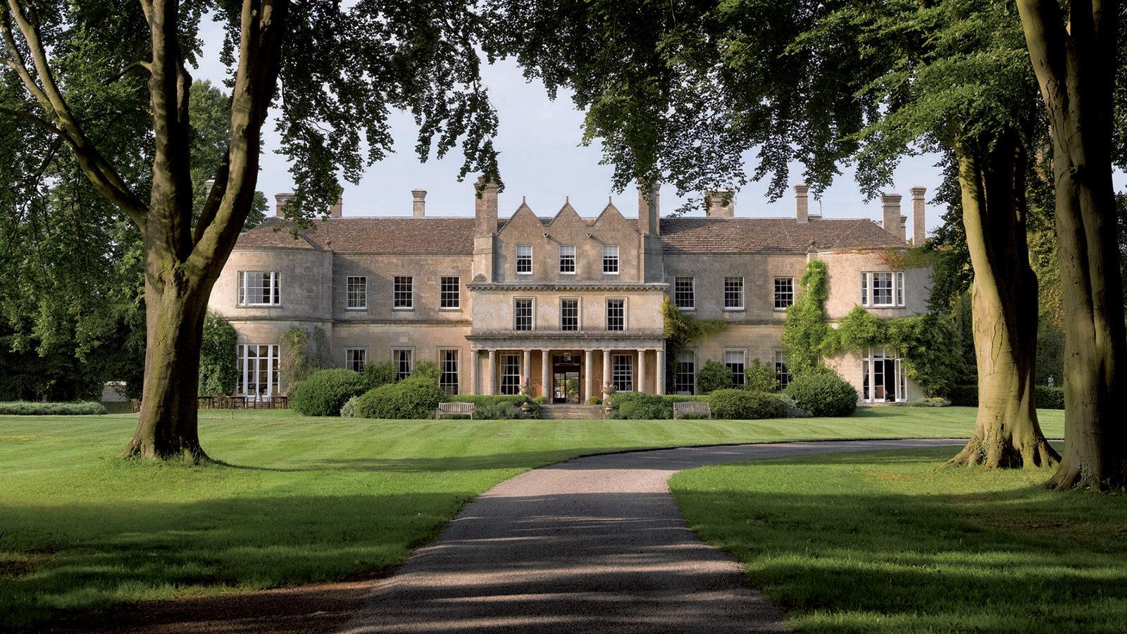 EU-England-Wiltshire-Cotswolds-lucknampark-1-e1485181681181