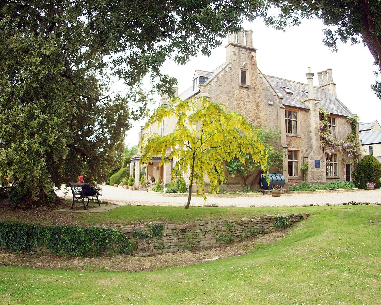 Stanton Manor 1