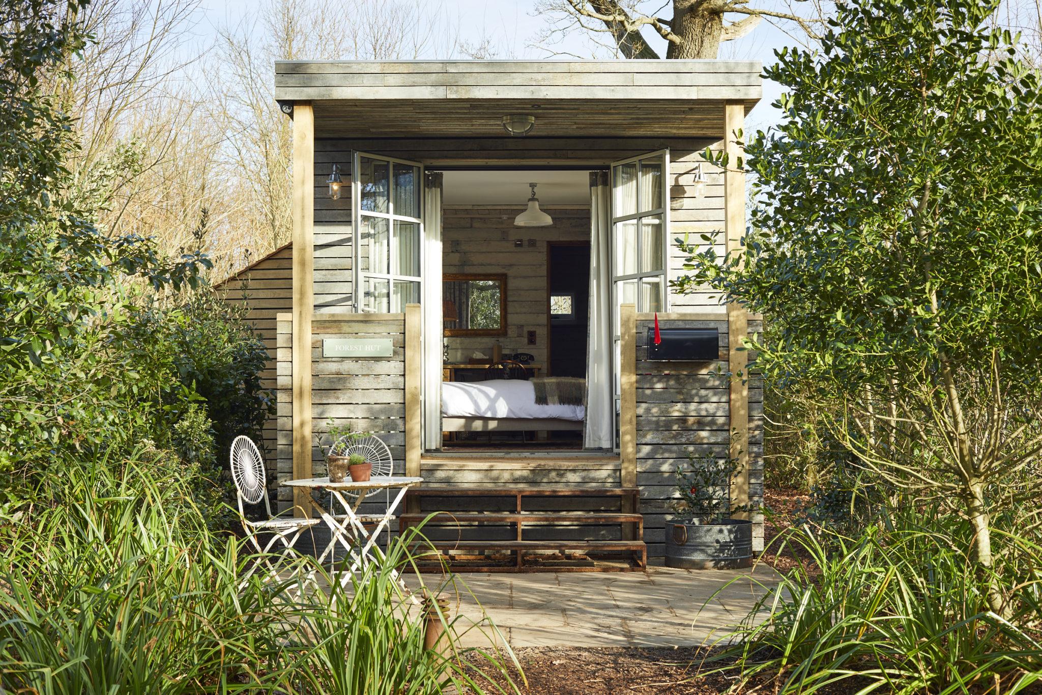 Forest hut exterior (2)