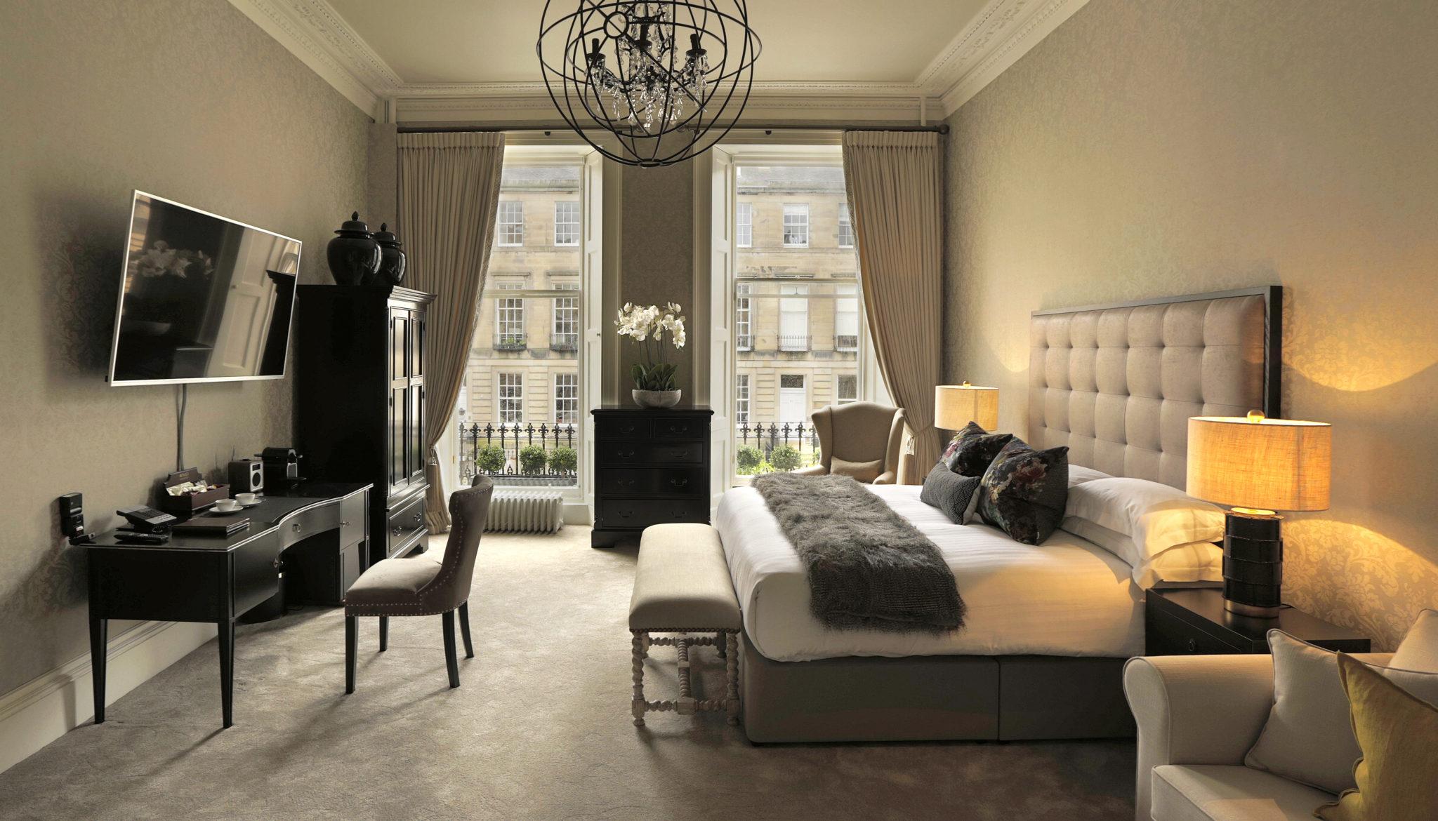 Nira Caledonia Bedroom 1