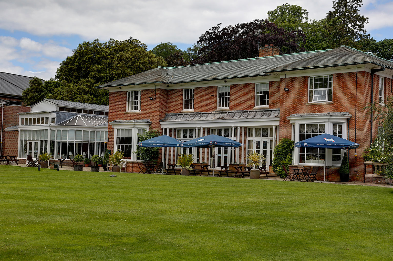 kenwick-park-hotel-grounds-and-hotel-93-83858