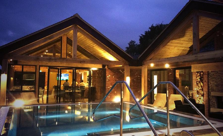 Dusk-outdoor-spa (1)