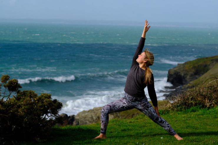 Yoga_900_x_600