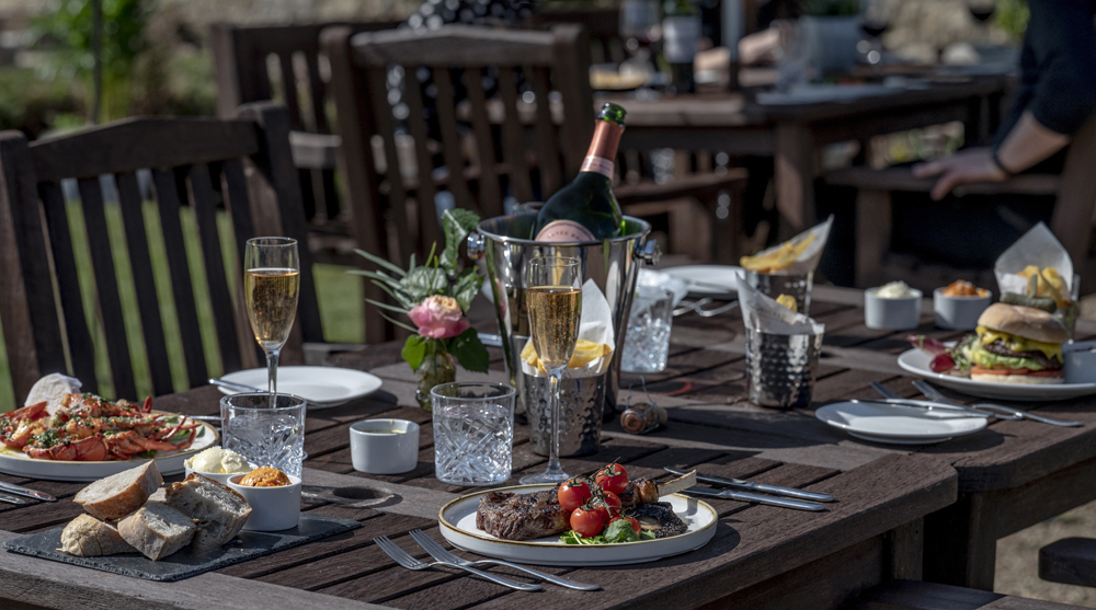 Hand Picked Hotels Alfresco Dining (1)